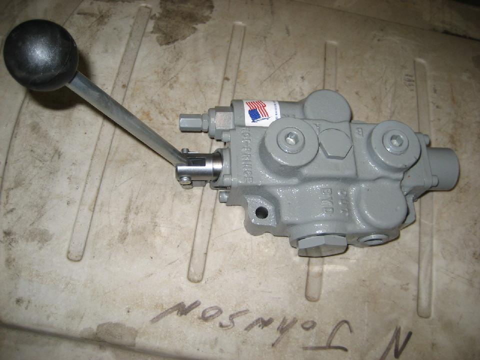 Hydraulic Controls Parts : New single spool hydraulic control valve